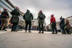 Grupp av kvinnlig som utför med valsar Fotografering för Bildbyråer