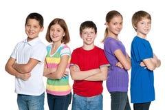 Grupp av lyckliga barn Arkivbilder