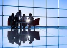 Grupp av möte för affärsfolk