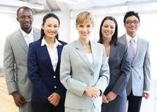 Grupp av multietniskt affärsfolk Arkivfoton