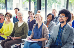 Grupp av olika multietniska gladlynta åhörare Royaltyfria Foton