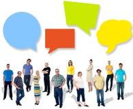 Grupp av olikt folk som delar idéer Royaltyfri Fotografi