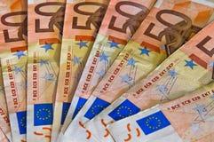 Grupp av sedlar av euro 50 Arkivbilder