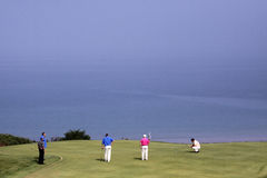Grupp av spelare på den Pleneuf Val Andre golfutmaningen 2013 Arkivbilder