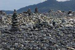 Grupp av stenar på den Hin-Ngarm ön Arkivbilder
