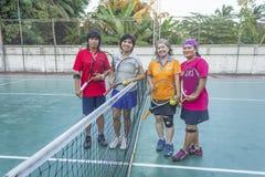 Grupp av tennisspelare Arkivfoto