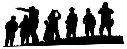 Grupp av turisten på överkanten av den isolerade illustrationen för kullevektorkontur vektor illustrationer