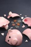 grupp bruten piggy affärsidéfinans arkivfoton