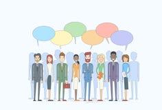 Grupp för affärsfolk som talar diskutera det sociala nätverket för pratstundkommunikation Arkivfoto