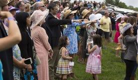 Grupp människor på den Virginia Gold Cup hästkapplöpningen Royaltyfri Fotografi