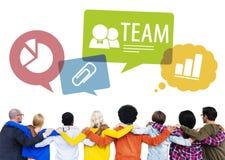 Grupp människor tillbaka med Team Concepts Arkivbilder