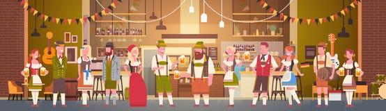 Grupp människordrinköl i beröm för stångOktoberfest parti stock illustrationer