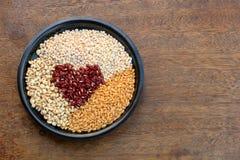 Grupp och korn för röda bönor Royaltyfri Bild