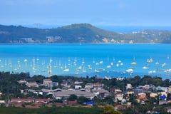 Grupp på yachtfartyget Phuket, Thailand fotografering för bildbyråer