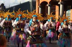 Grupp som dansar den Aalst karnevalet Royaltyfri Foto