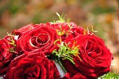 gruppblomman ringer bröllop Royaltyfria Bilder