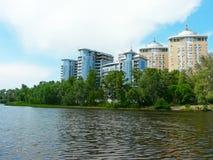 gruppdnieper houses den lyxiga floden Arkivbilder