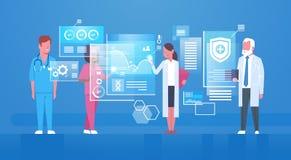Gruppe Ärzte, die Digital-Schirm-modernes Medizintechnik-Konzept verwenden stock abbildung