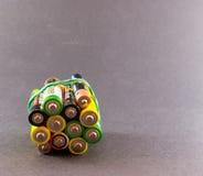 Gruppe Batterien auf Schwarzem Lizenzfreie Stockbilder