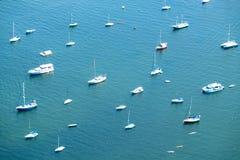 Gruppe Boote im Jachthafen, Rio de Janeiro, Brasilien lizenzfreie stockfotos