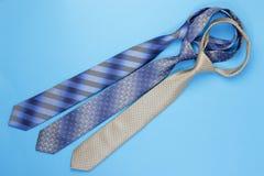 Gruppe bunte Krawatten Stockbilder