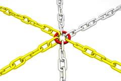 Gruppe der goldenen und silbernen Kette mit rotem Link Stockfotos