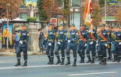 Gruppe der Retter und der Feuerwehrmänner in Kiew, Ukraine Lizenzfreie Stockfotos