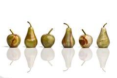 Gruppe des Jaspisses bildete Äpfel und Birnen stockfotografie