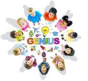 Gruppe des Kinderkreis-Genie-Wortes stockfoto
