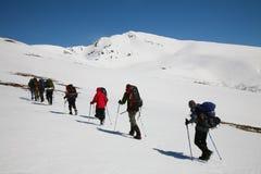 Gruppe, die im Patagonia showshoeing ist Stockbilder