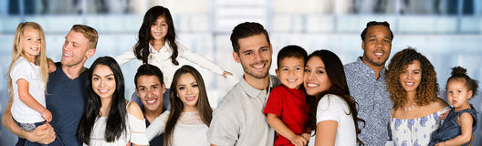 Gruppe Familien lizenzfreie stockfotografie