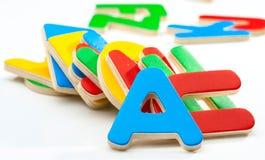 Gruppe farbige hölzerne Buchstaben Lizenzfreies Stockfoto