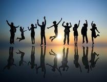 Gruppe feiernde Geschäftsleute Lizenzfreie Stockfotos