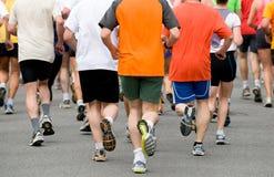 Gruppe am Fußrennen Stockfotos