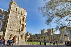Gruppe Gebäude am Viereck von Windsor Castle, ein königlicher Wohnsitz bei Windsor in der Grafschaft von Berkshire, England, Groß lizenzfreies stockfoto