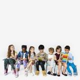 Gruppe gebildete Entwicklung des Kindes der Studenten lizenzfreie stockfotos