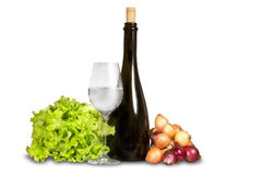 Gruppe Gemüse mit Wasserglas und -flasche Stockfoto
