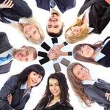 Gruppe Geschäftsleute, die in der Unordnung stehen stockbild