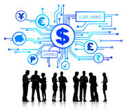 Gruppe Geschäftsleute, die globale Finanzierung besprechen Stockfoto