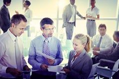 Gruppe Geschäftsleute, die Konzept treffen Lizenzfreie Stockfotos
