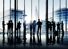 Gruppe Geschäftsleute, die zuhause arbeiten Lizenzfreie Stockfotos