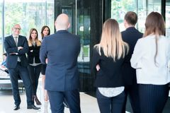 Gruppe Geschäftsleute mit Geschäftsmannführer Foto vom beh stockfotografie