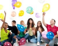 Gruppe glückliche Jugendliche lizenzfreies stockfoto