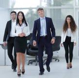 Gruppe glückliche junge Geschäftsleute Lizenzfreie Stockfotografie