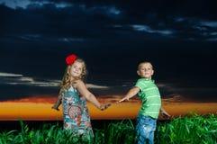 Gruppe glückliche Kinder lizenzfreies stockbild
