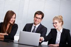 Gruppe glückliche Geschäftsleute Stockfotografie