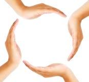 Gruppe Hände, die einen Kreis bilden lizenzfreie stockfotos