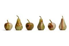 Gruppe Jaspis gebildete Äpfel und Birnen Stockfotos