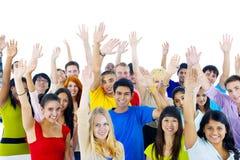 Gruppe junge Leute aus der ganzen Welt Lizenzfreies Stockfoto