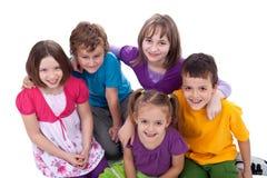 Gruppe Kinder - Freunde für immer lizenzfreie stockbilder